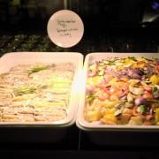 Partyservice Buffet mit Spargel, Tofu und Curry